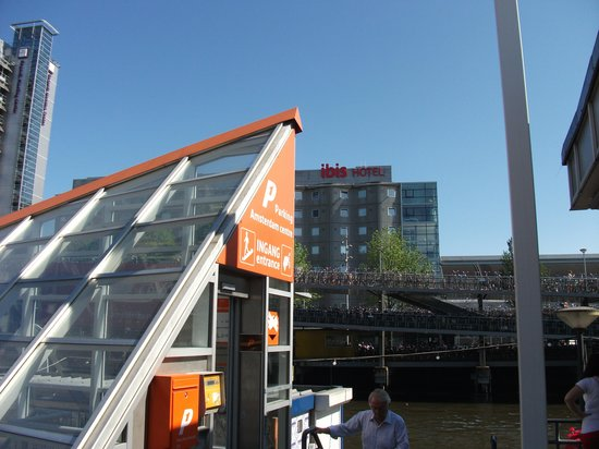 from the coach point view bild von ibis amsterdam centre. Black Bedroom Furniture Sets. Home Design Ideas