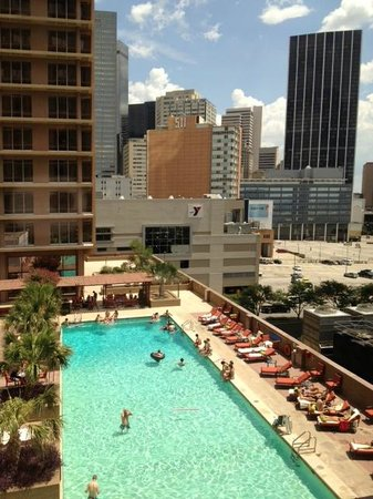 The Fairmont Dallas: Awesome Pool!!!