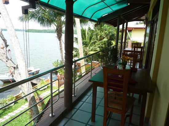 Sri Lancashire Guest House: terrace in front of room