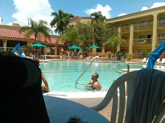 La Quinta Inn & Suites Ft. Myers - Sanibel Gateway: pool area