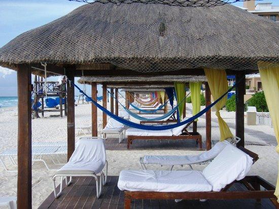 The Ritz-Carlton, Cancun: cabanas