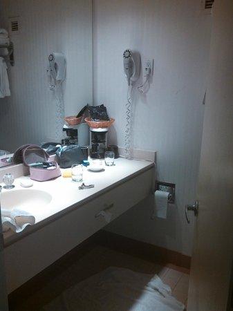 Golden Inn Hotel : Bathroom