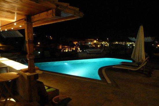 Kelebek Special Cave Hotel: Preciosa piscina