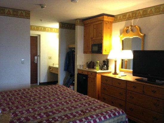 Olympic Inn: room