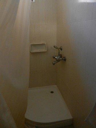 Hotel Oasis: doccia