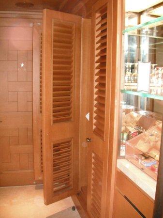 Divan Istanbul: armadio ingresso