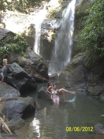 La Ruka Hostel: waterfall trip