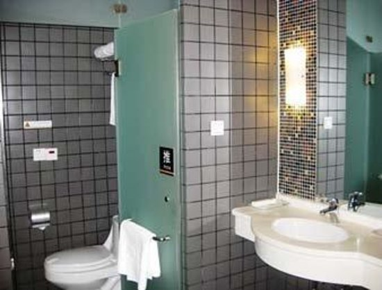 Kaien Juyi Hotel: Bathroom