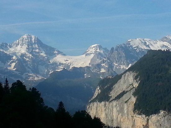 Hotel Alpenrose Wengen: View from room