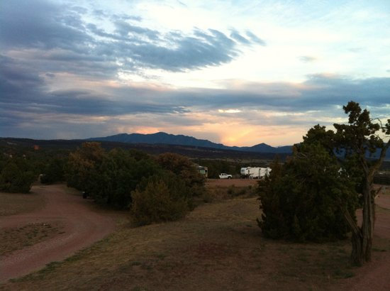 Echo Canyon Campground & RV Park: Mountain Sunset View