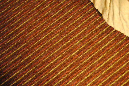 Best Western Plus Cairn Croft Hotel : Outdated carpet that felt and looked dirty