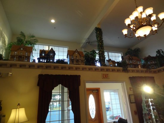 Lighthouse Inn: The lobby