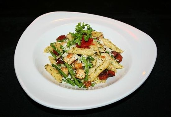 The Clubhouse: Chicken and Chorizo penne with green beans