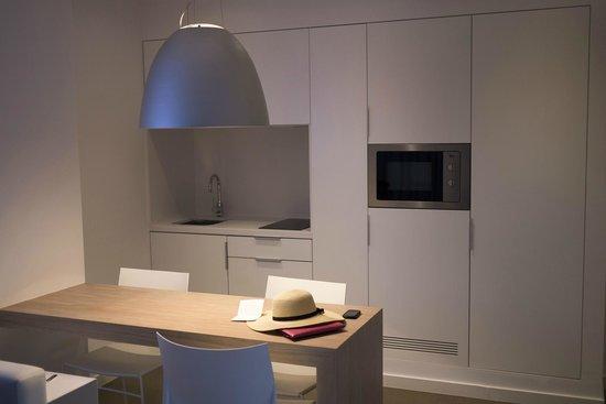 Ibiza Sun Apartments: Kitchen
