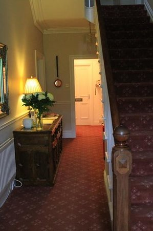 Greenbank Country House: Entrance hall
