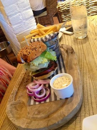 The Spring Tavern: Very tasty burger & chips, hits the spot