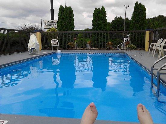 Days Inn Lincoln: pool