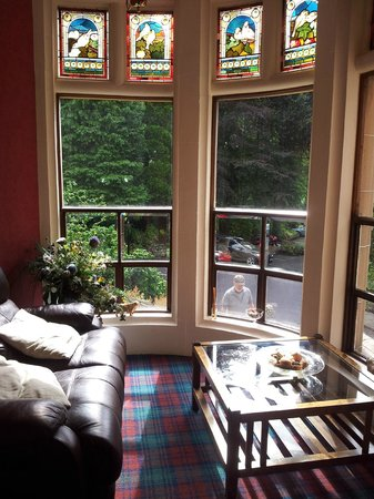 Knock Castle Hotel & Spa: small sitting room at front