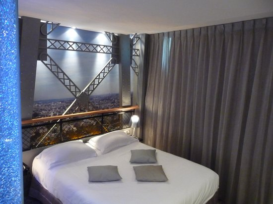 View from 4th floor picture of hotel design secret de Eiffel tower secret room