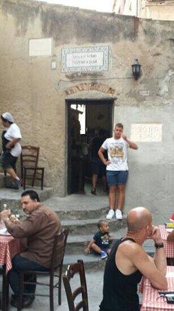 Pizzeria Vecchio Forno: at the door