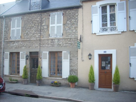 Maison Sebline : Front view of B&B