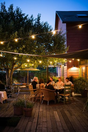 Boonville Hotel: twinkly evening supper on the porch