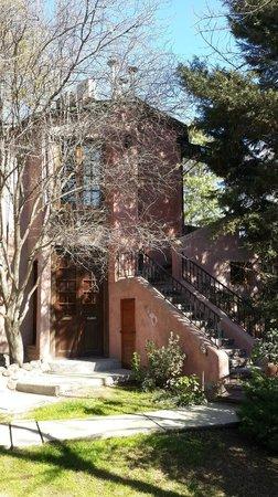 Casa Glebinias: nuestra casita, suite de los jazmines arriba y del prunus abajo