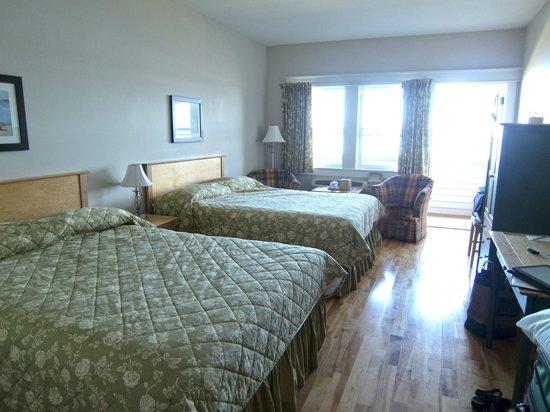Northport Pier Inn: Room