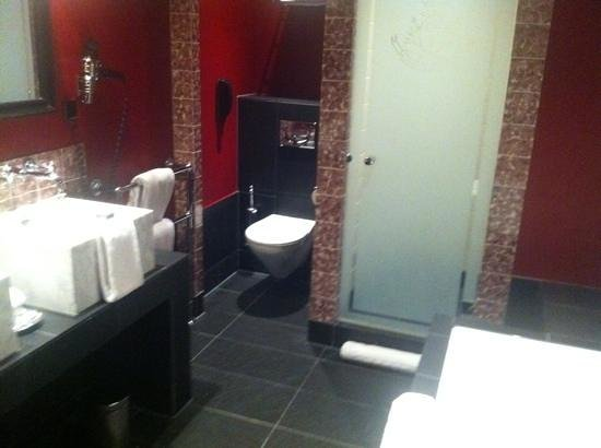 Hotel Des Indes, a Luxury Collection Hotel: Bathroom