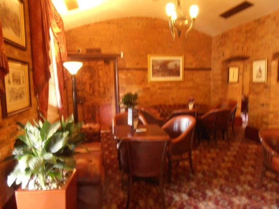 The Garrison Hotel: Bar area (there is a function room also for dining and breakfast)
