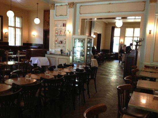 Café Einstein -Stammhaus-: Inside