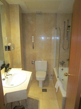 Melia Madrid Serrano: salle de bain