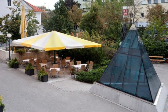 Hotel Metropol: Schanigarten