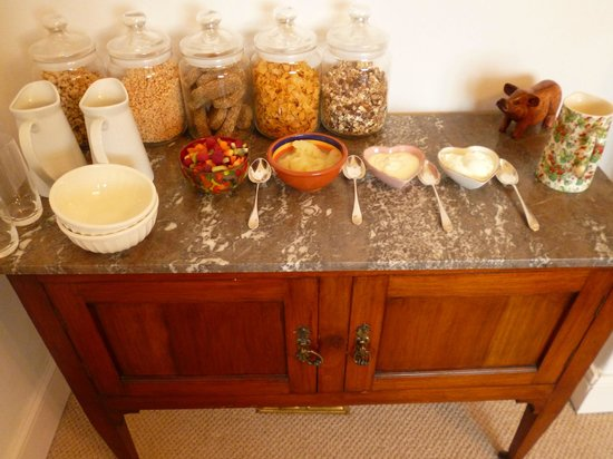 Hall Farm Bed & Breakfast : Breakfast Buffet to start