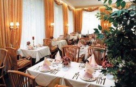 Austria Classic Schlosshotel Oth : Restaurant