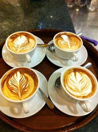 Ristorante Replay: i cappuccini del barista Robin