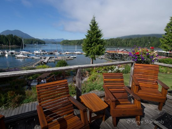 Tofino Swell Lodge : view from upper deck