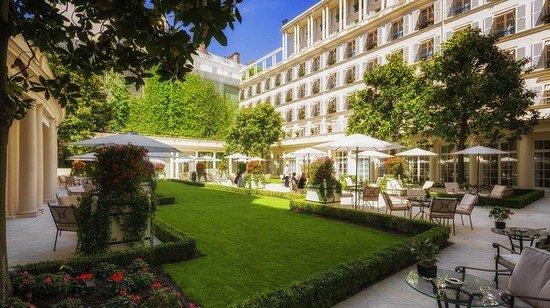 Le Bristol Paris: Garden
