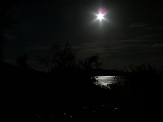 Matacawalevu Island, Fiji: Full moon