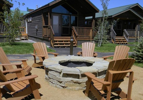 Explorer Cabins at Yellowstone : Camp Firepit