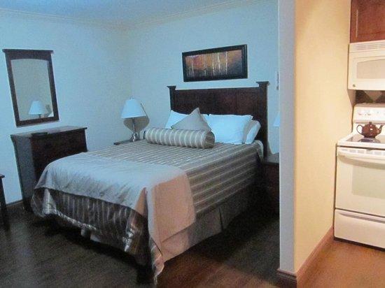 Braxton Suites: Comfy bed and quiet