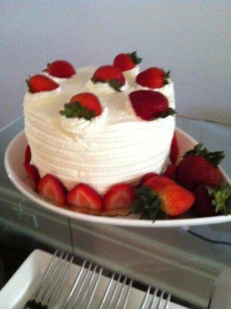 Zero George Street: Birthday cake