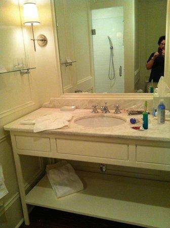 Zero George Street: Marble bathroom