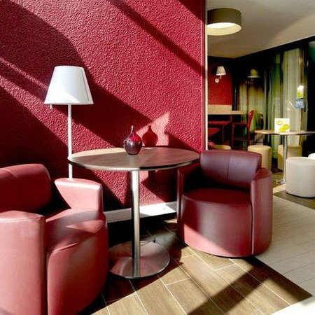 Campanile Valence Nord : Lounge