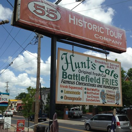Hunt's Battlefield Fries & Cafe': Front