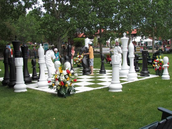 Spruce Meadows: Kids playing wwith HUGE chess game