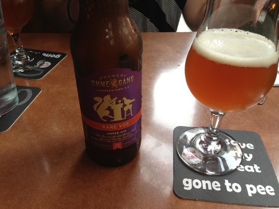 Good Dog: Great beer selection, awesome atmosphere!