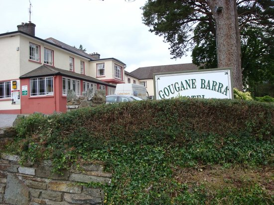 Gougane Barra Hotel: View of hotel from the road