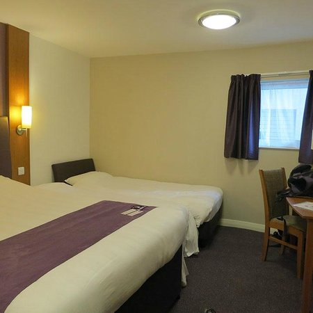 Large room fitted for disabled people picture of premier for Premier inn family room