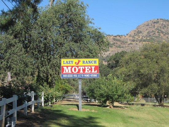 Lazy J Ranch-Americas Best Value Inn : Lazy J  sign